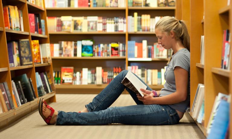 o-TEEN-READING-NOVEL-facebook