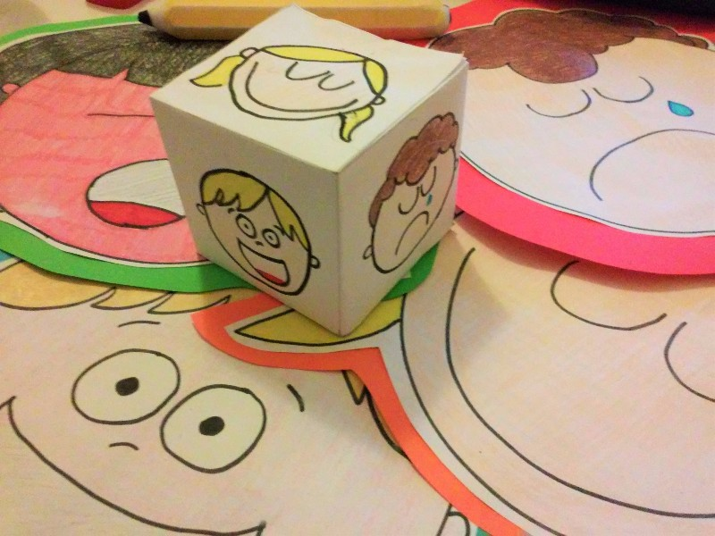teaching-emotions-roll-dice-grammateca